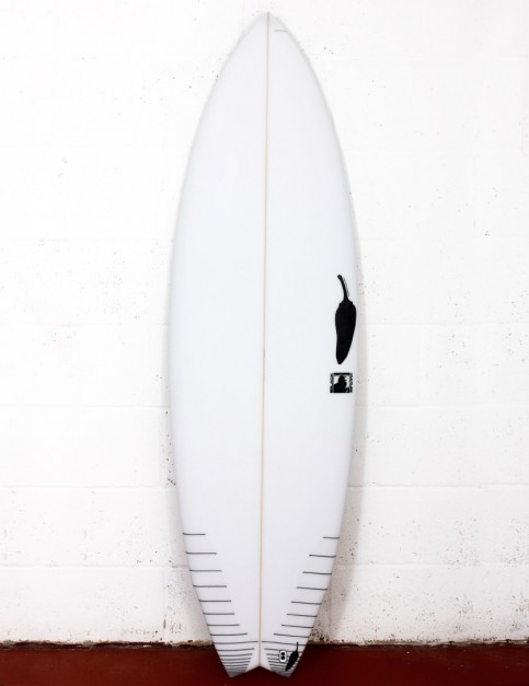 Chilli Black Vulture surfboard 6ft 2 FCS II - White